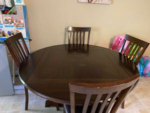 Free dinning table for Sale in Tampa, FL
