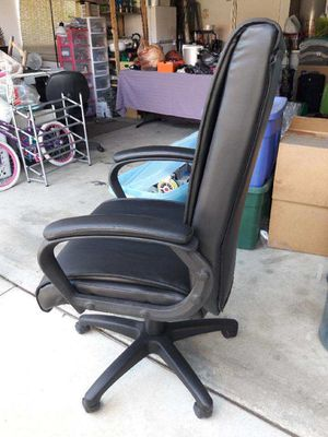 Computer chair never been used. for Sale in Los Angeles, CA