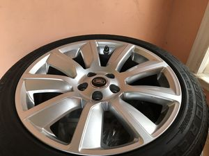 """20"""" Land Rover brand new tires for Sale in Boston, MA"""