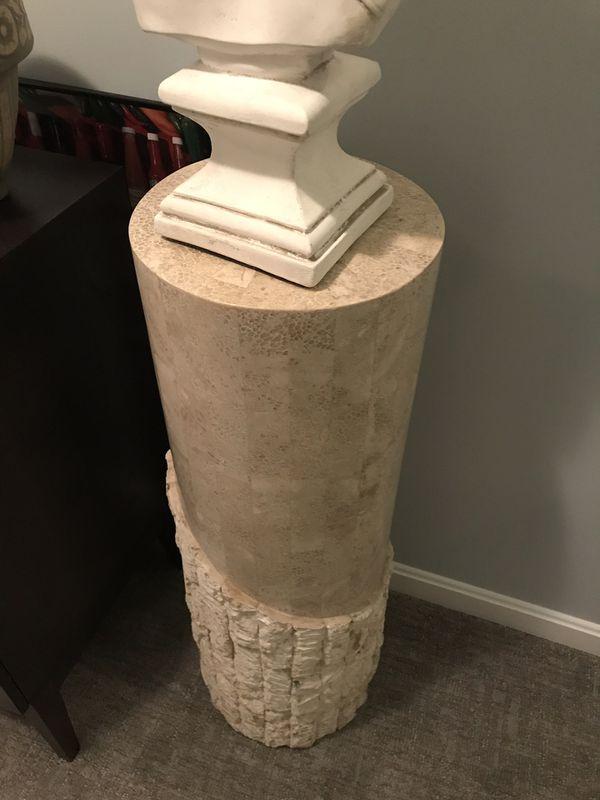 Art - pillars - plant stools - art