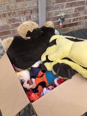 Free stuffed animals and few toys for Sale in Puyallup, WA