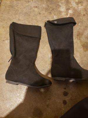 Little girl tall boots size 10 1/2 for Sale in Fresno, CA