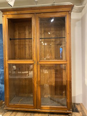 Antique wood & glass cabinet for Sale in Beverly Hills, CA