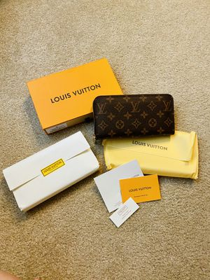 New Louis Vuitton wallet for Sale in Kent, WA