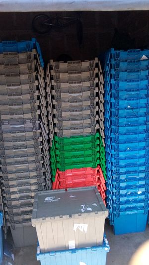 27 x 17 x 12 – Handheld Attached Lid Container for Sale in San Diego, CA