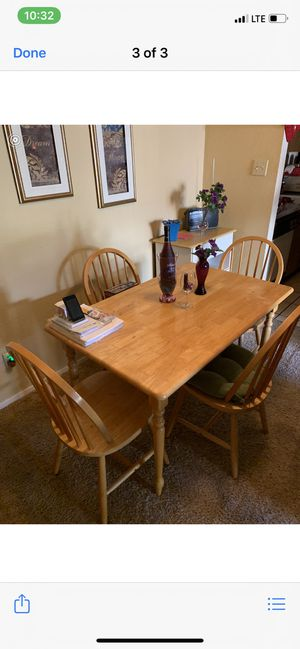 Kitchen table with 4 chairs for Sale in Abilene, TX