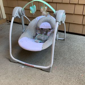 Baby Swing INGENUITY for Sale in Foster City, CA