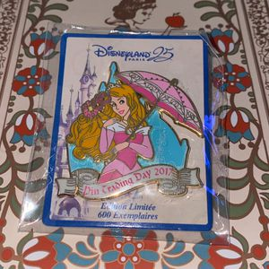 LE DLP Aurora Sleeping Beauty 25th Anniversary DLRP Disney Pin Trading Day 2017 for Sale in Glendale, AZ