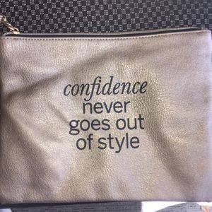confidence never goes out of style bag for Sale in Magnolia, TX