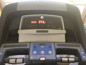 Horizon T101 Treadmill with incline $400.00 for Sale in Edgewood, WA