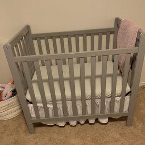 Delta Convertible Children Classic Mini Crib for Sale in Mountlake Terrace, WA