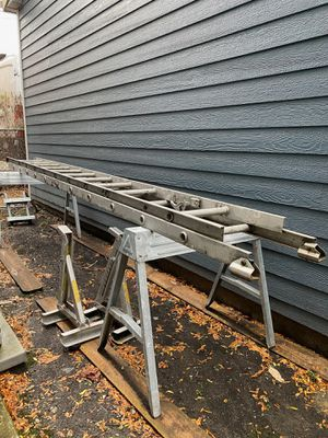 2 horse benches for Sale in Norridge, IL