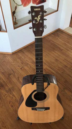 Yamaha 411L acoustic guitar for Sale in La Mirada, CA