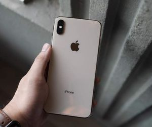 iPhone xs max for Sale in Tiny Town, KY