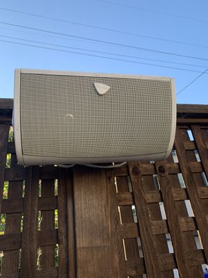 Outdoor speaker definitive audio - three of them for Sale in San Diego, CA