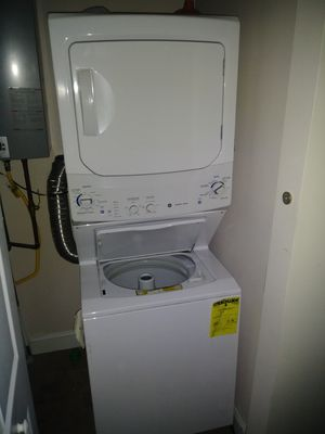 Practically Brand New. GE Unitized Spacemaker® 3.2 DOE cu. ft. Washer and 5.9 cu. ft. Gas Dryer for Sale in Philadelphia, PA