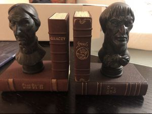 NIB Disney Parks HAUNTED MANSION Bust BOOKENDS for Sale in Miami, FL
