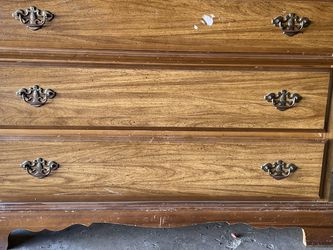Three Drawer Dresser for Sale in Los Angeles,  CA