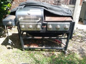 Gas BBQ pit and grill pan for Sale in Humble, TX