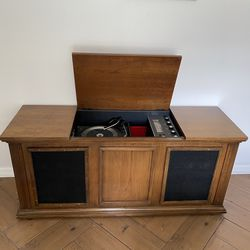 Record Player Cabinet | Mid Century Modern Record Cabinet | Radio Cabinet |Vintage Record Cabinet for Sale in DeBary,  FL