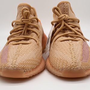 """Yeezy 350 V2 """"Clay"""" Size 10 for Sale in Miami, FL"""