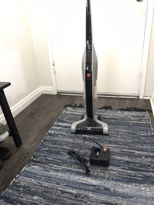 Hoover Linz Rechargeable Stick Vacuum for Sale in Anaheim, CA