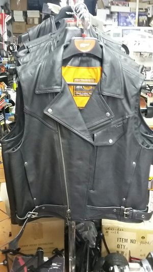 Motorcycle a quality leather vest size XL brand new for Sale in Los Angeles, CA
