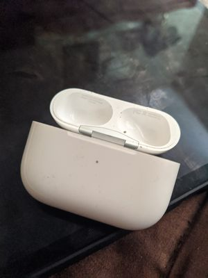 Apple airpods wireless charger for Sale in Beverly, WV