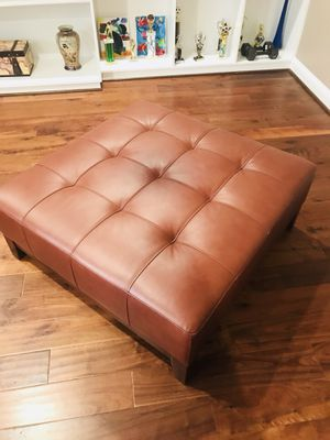 Leather Ottoman 39x39 $120 for Sale in Ashburn, VA