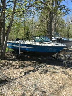 Nice ski boat with 150hp merc for Sale in Akron,  OH