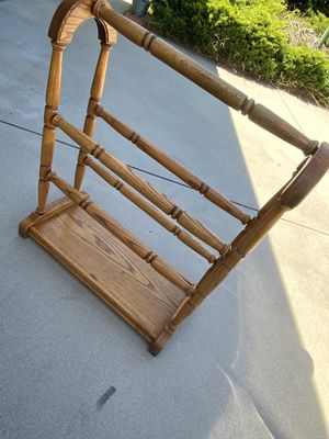 CLOTHES RACK for Sale in Pasadena, CA