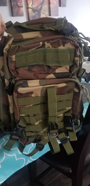 Camo backpack for Sale in Alta Loma, CA