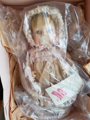 LOT OF 4 MADAME ALEXANDER ANTIQUE DOLLS for Sale in West Hollywood, CA