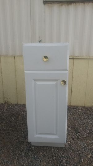 Kitchen cabinet for Sale in Apple Valley, CA