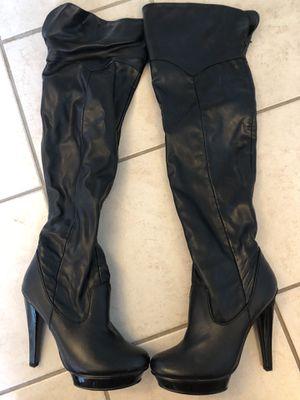 Steven Madden Thigh Hight Boots platform heel 7 1/2 for Sale in Baytown, TX