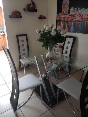 DINING ROOM SET for Sale in Miami, FL