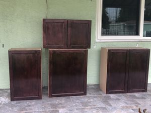 Kitchen cabinets set for Sale in Miami, FL