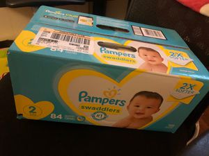 Pampers swaddlers Size 2 for Sale in Los Angeles, CA