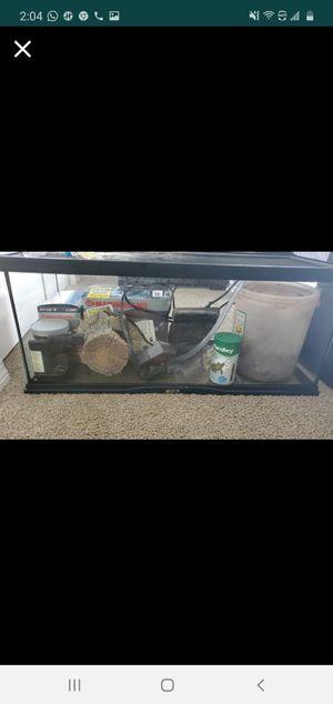 Aquarium set-20 gallon for Sale in Tampa, FL