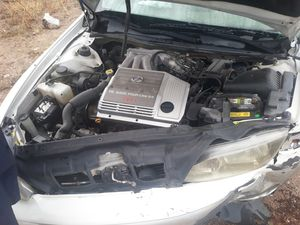 2001 LEXUS V6 3000 VVTi 3.0L for Sale in Tucson, AZ