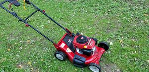 Honda self-propelled lawn mower for Sale in Levittown, PA