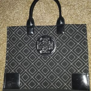 TORY BURCH TOTE BAG for Sale in Vallejo, CA