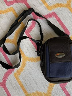 Digital Camera Carrying Case Bag with strap | Cell mobile phone Pouch for Sale in Kent,  WA