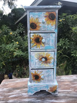 """4 drawer trinket box approximately 24"""" x 8"""" x 7"""". Solid wood for Sale in Bradenton, FL"""