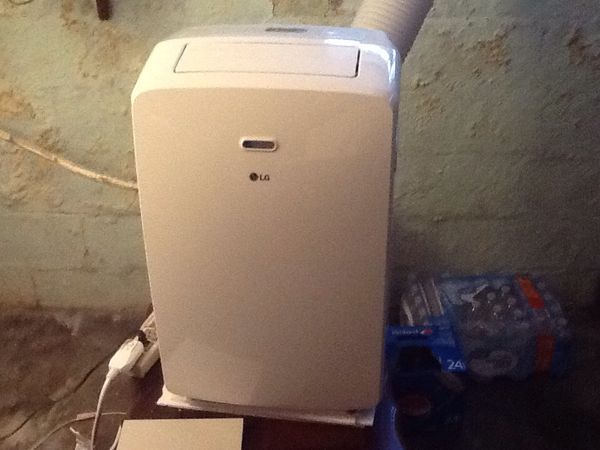 LG Portable air conditioner and dehumidifier all in one