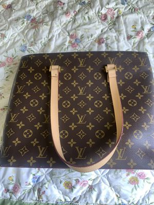 Authentic Louis Vuitton hand bag. for Sale in Highland, CA