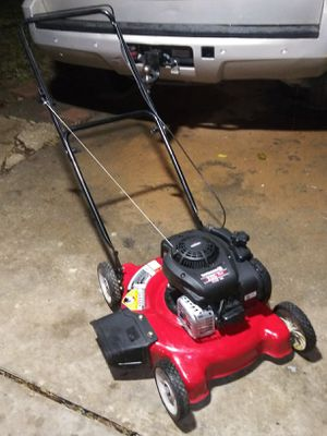 Briggs. And stratton 125cc lawn mower for Sale in Fort Worth, TX