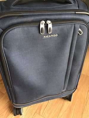 """Ricardo Camden Drive 22"""" Expandable Softside Carry-On Spinner Luggage w USB Port for Sale in Belmont, MA"""