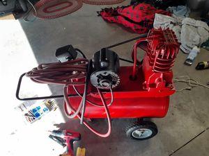 10 gallon air compressor for Sale in Corona, CA