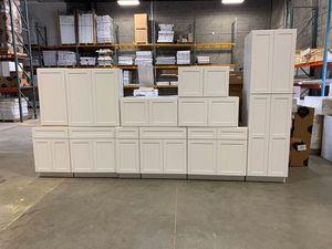 Kitchen cabinets for Sale in San Antonio, TX